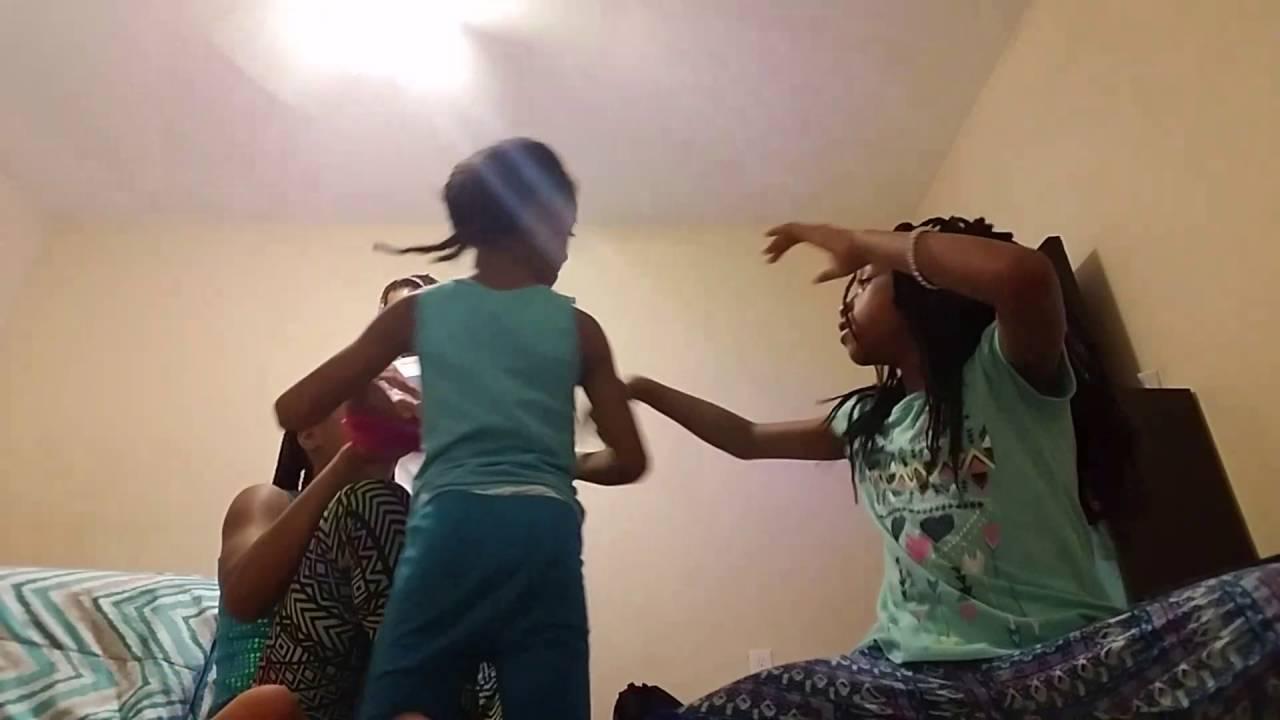 kids touch my body challenge..