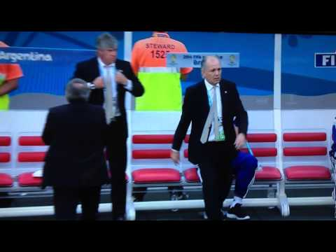 Argentinian manager  Alejandro Sabella fake faint vs Belgium World Cup 2014