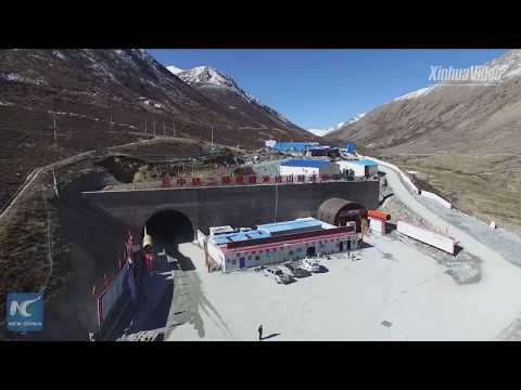world's-highest!-chinese-engineers-build-highway-tunnel-in-tibet
