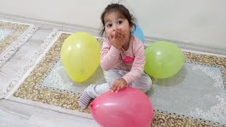 Ayşe Ebrar Balonları Patlatarak Süprizleri Bulurken Balonun İçinden Böcek Çıktı Korktu Kaçtı.