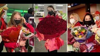 КАК наших ФИГУРИСТОК ВСТРЕТИЛИ в России Подарки и цветы для Щербаковой Трусовой Туктамышевой