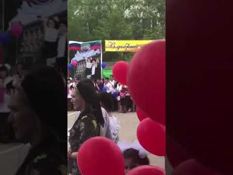 В Дагестане мать старшеклассника потребовала от учителя русского языка не калечить души детей