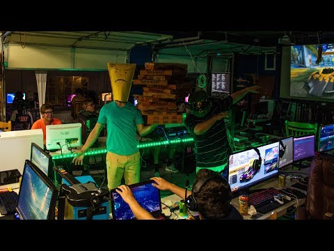 Our BIGGEST LAN Party EVER!