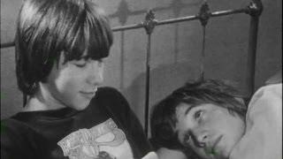 Repeat youtube video Une Histoire Sans Importance (1980) legendado