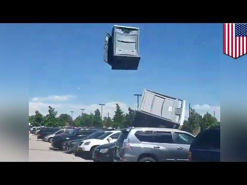 Porta-Potties catch crazy air in Colorado - TomoNews