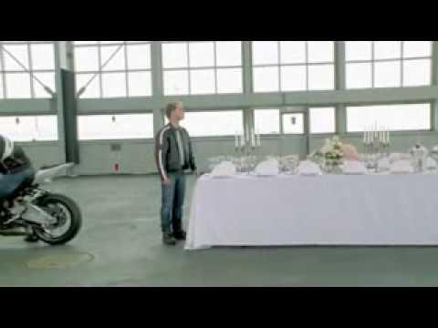 Siêu môtô BMW S1000RR lam xiec lot khan trai ban.flv