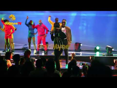 FALZ AND YCEE'S  PERFORMANCE AT THE FALZ EXPERIENCE CONCERT