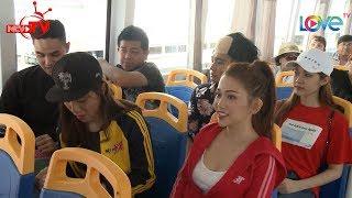Người đẹp Sĩ Thanh và Quỳnh Hương khoe dáng gợi cảm trên xe buýt đường sông 👍