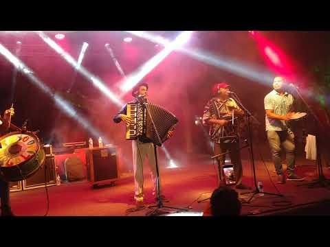 Assista: Trio Virgulino - Espumas ao Vento (ao vivo) - Ilha Comprida / SP
