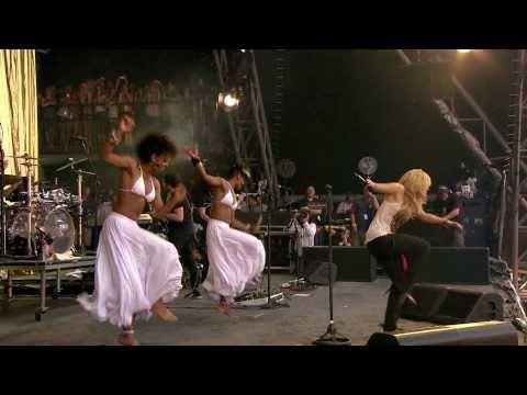 Shakira - Waka Waka  (Live Glastonbury 2010)