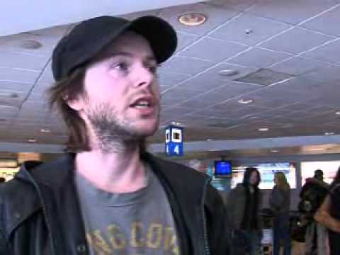 Lind, Nilsen, Fuentes & Holm - Interview at bus station (2006)
