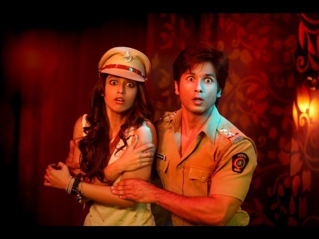Phata Poster Nikla Hero | Movie Review | Shahid Kapoor | Ileana D'Cruz Travel Video