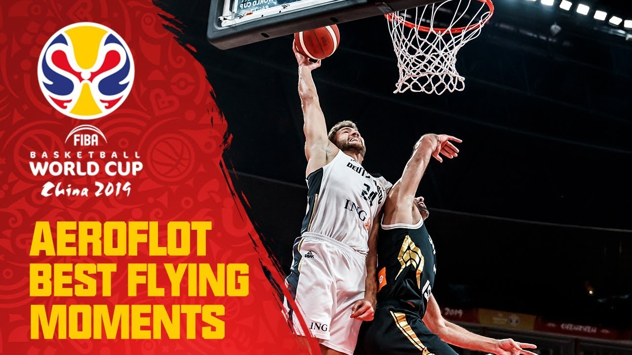 Theis to Kleber with the HUGE one-handed ALLEY-OOP! - Aeroflot Best Flying Moments