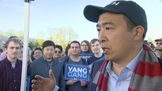 2020 presidential candidate Andrew Yang brings campaign to Seattle