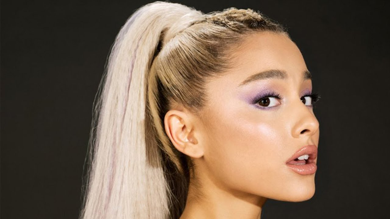 Ariana Grande CLAPS BACK At Fan Who DISSED Her Ponytail