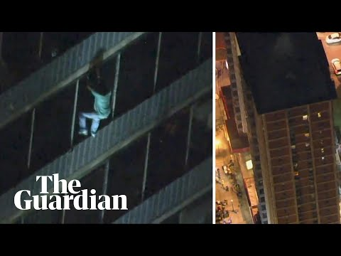 Philadelphia man scales down 19-storey building to escape fire