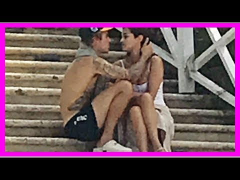 Justin Bieber and Selena Gomez Share a Romantic Moment Together in Jamaica: Pic