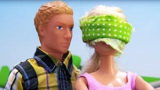 Кен устроил Барби сюрприз на корабле. Видео для девочек