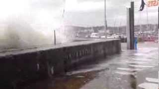 Large Waves at Living Coasts, Torquay - Part I