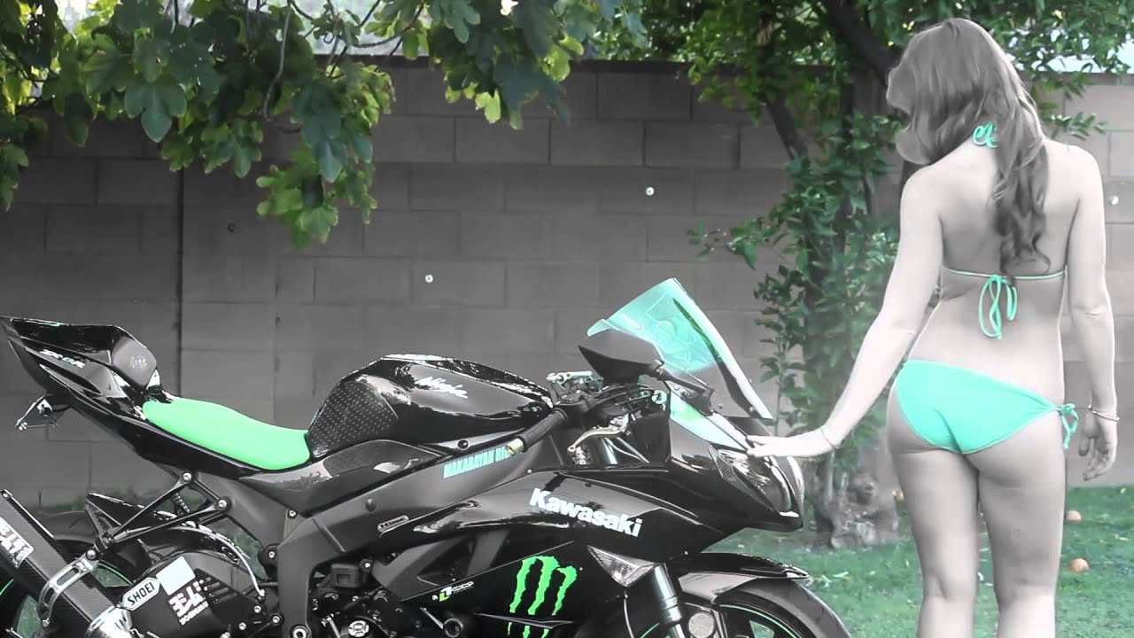 Bikini Bike Wash Babe Kawasaki Ninja Sportbike Layer