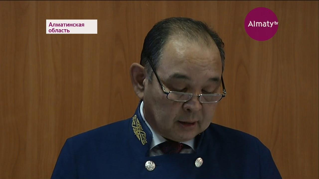 Родительнице, избившей учителя сына, вынесли приговор в Алматинской области