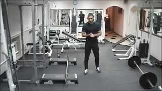 видео Приседания сумо: какие мышцы работают? Правильная техника.