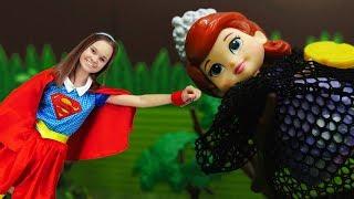 Супергерл помогает Софии Прекрасной - Видео для девочек