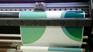 Широкоформатная печать на пленке(Широкоформатная печать на самоклеющейся пленке японскими экосольвентными чернилами на оборудовании Рекл..., 2014-01-15T09:35:45.000Z)