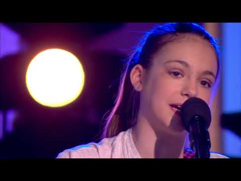 Allie Sherlock performing 'Issues' (Julia Michaels) | ITV This Morning