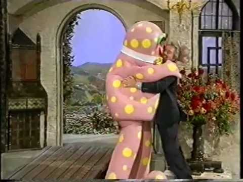 Noel 39 s house party mr blobby meets hyacinth bucket on for Classic house party songs