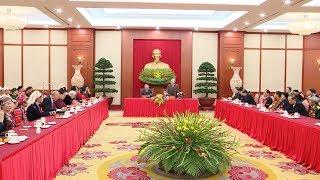 Tổng Bí thư Nguyễn Phú Trọng gặp mặt các đại biểu dân tộc thiểu số dự Lễ tuyên dương năm 2017