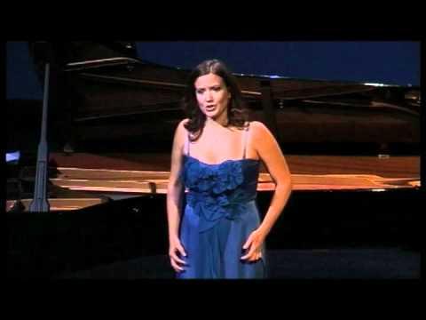 Julie Fuchs, Soprano (France)