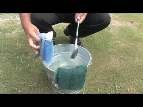 Golf Tips & Etiquette : How to Clean Golf Clubs