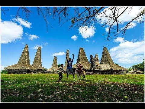 trip-to-sumba-ii:-ratenggaro---a-traditional-village