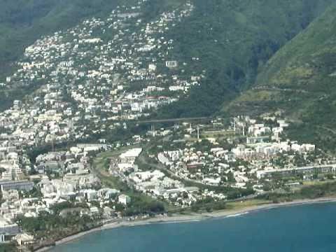 Ile de La Réunion Approche et Atterrissage Saint Denis aéroport  Roland Garros