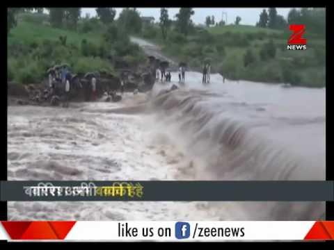 Watch dreadful stories of mess created by heavy rainfall  भारी बारिश ने मचा दी है उथलपुथल