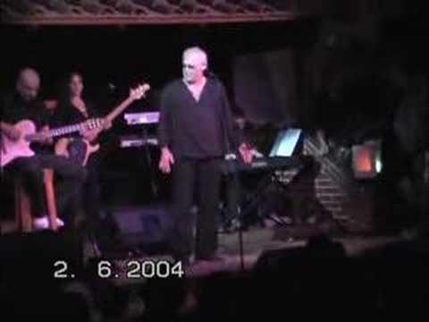 "Franco Califano  live "" Bimba mia "" ( da brividi )"
