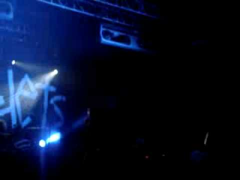 lostprophets - its not the end of the world (live)
