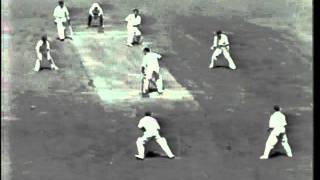 *RARE* Sir Len Hutton 79 vs Australia 5th test 1950/51