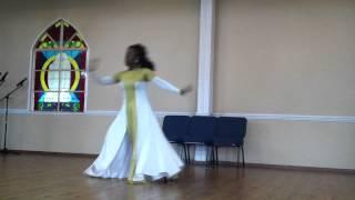 alabaster box cece winans praise dance