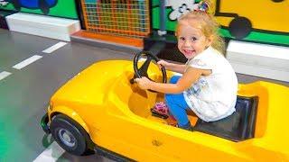 - Детский музей науки в Дубаи Развивающая детская площадка для всей семьи. Влог от Насти