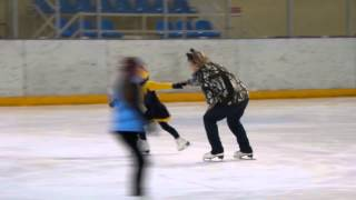 Уроки фигурного катания))