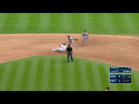 MIN@DET: Dozier starts a 4-6-3 double play in the 7th