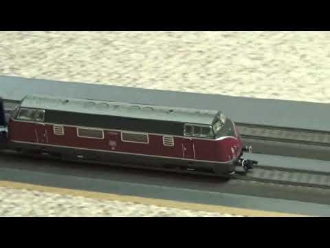 Marklin Deutsche Bundesbahn V200 + 6 Passenger Cars!