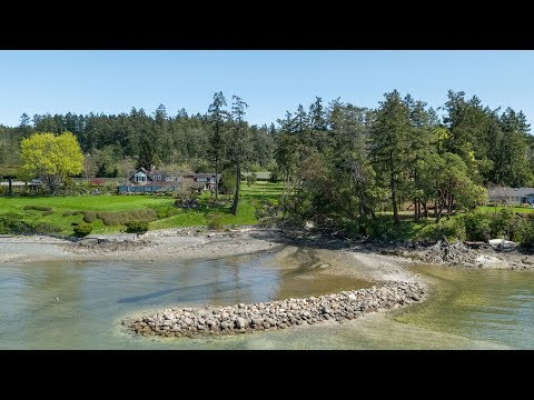 Spectacular Waterfront Lot For Your Dream Home