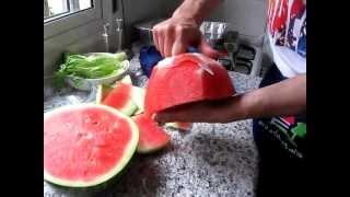 Как резать арбуз!