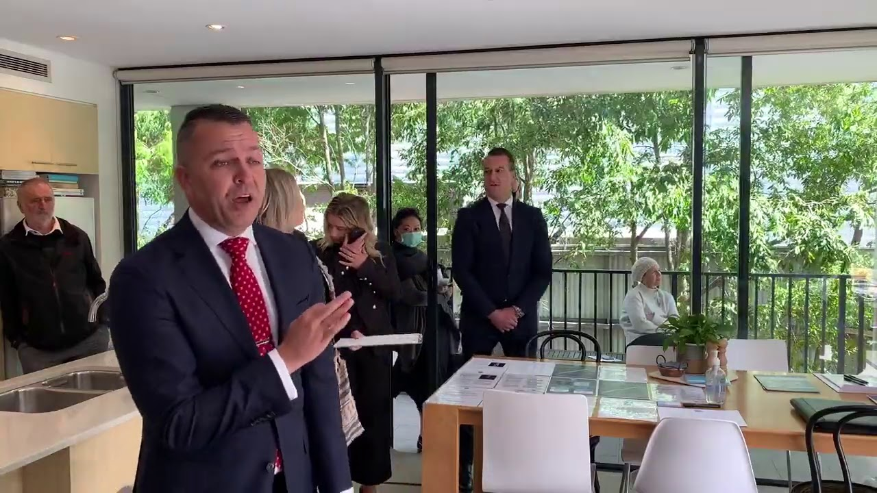 5 registered at Randwick auction, sold in Sydney