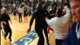 CAUGHT TAPE MAN IN FIGHT WITH HIGH SCHOLL BASKETBALL