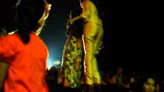 Ratu Sikumbang Feat Restu Alhida - Aie Mato Mandeh
