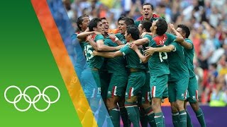 Mexico win Football gold at London 2012 | Epic Olympic Moments